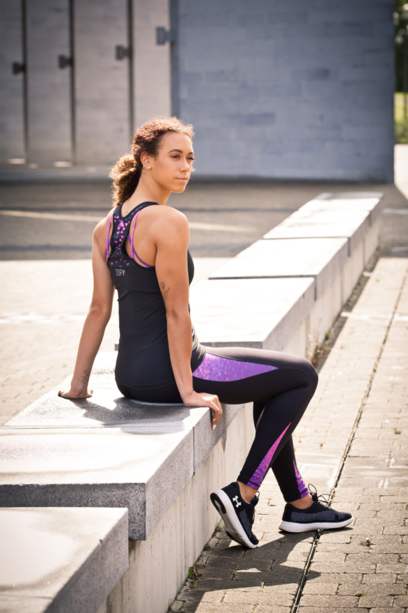 lack Leggings with pink - fitness clothing for women - yoga pants & yoga top view