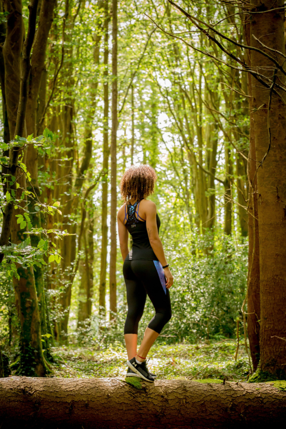 Workout gym gear and yoga pants - fitness clothes for women